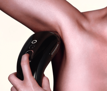 The Smoothskin Gold 300 has 300,000 flashes and with 3 cm² treatment window you can treat around 900,000 cm2 of body fur, or around 7,500 pairs of armpits.