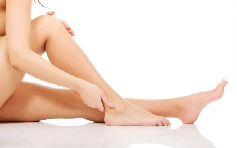 Read 'Everything you need to know about IPL & Laser hair removal' so you can have a smooth bod like these pins here.