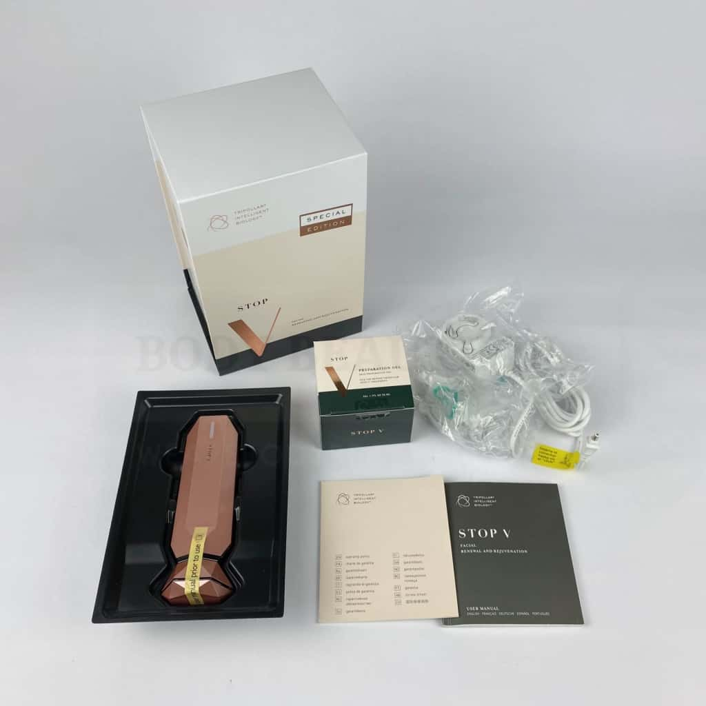 the contents of the Tripollar V box